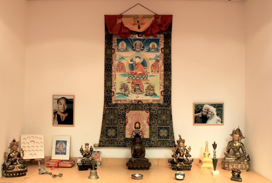 Altar Buddhidtische Gruppe Siegburg