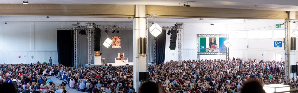Deutschlandkurs 2019 mit Lama Ole Nydahl in den Messehallen Kassel