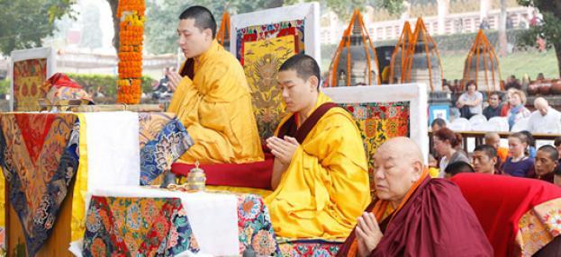 Karmapa Thaye Dorje beim Kagyü Mönlam in Bodh Gaya