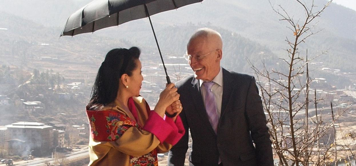 Lama Ole Nydahl mit Dorji Wangmo, Queen Mother of Bhutan